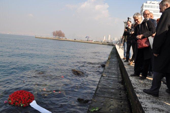 Lozan mübadilleri denize çelenk attı