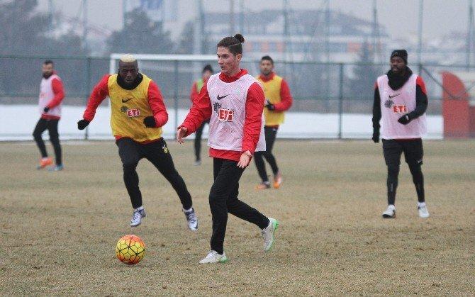 Eskişehirspor Lige Verilen Arayı Antrenman Yaparak Değerlendirdi