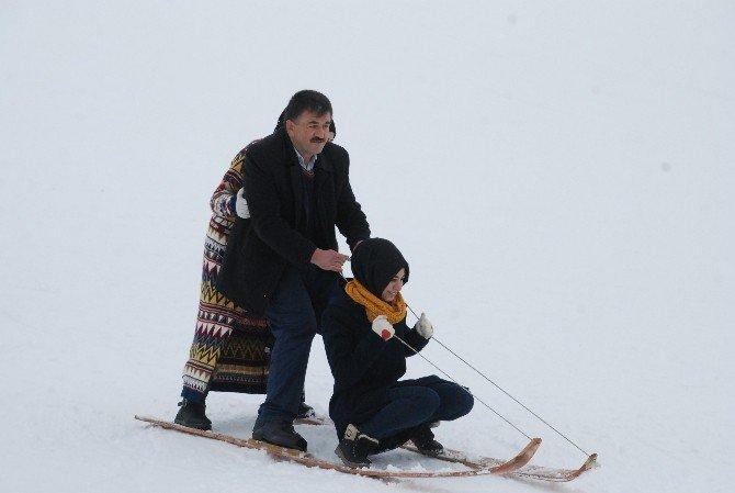 Tokat'ta Kar Şenlikleri Renkli Görüntülere Sahne Oldu