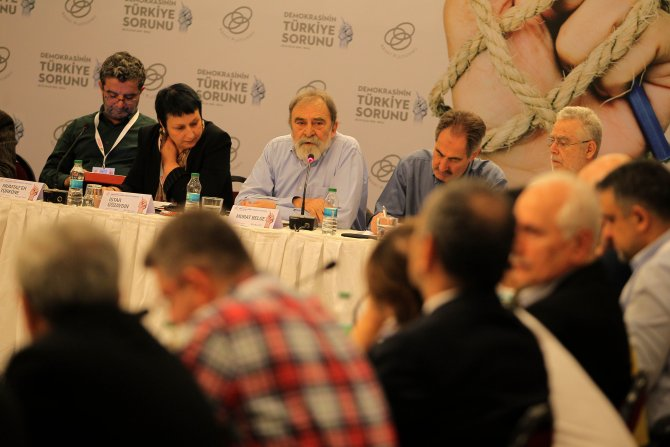 Abant'ta 'Demokrasinin Türkiye Sorunu' konuşuluyor
