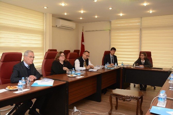 Ulusal Yaşlılık Konseyi Türkiye İnsan Hakları Kurumu İle İstişare Toplantısı Yaptı