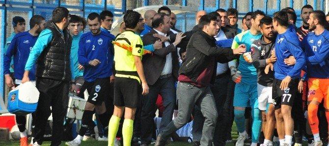 Adana Demirspor - Kayseri Erciyesspor Maçında Kavga Çıktı