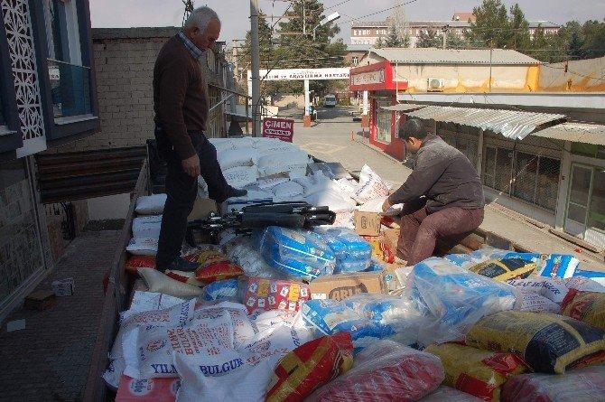 Adıyaman'dan, Bayırbucak Türkmenleri'ne 2 Tır Dolusu Yardım