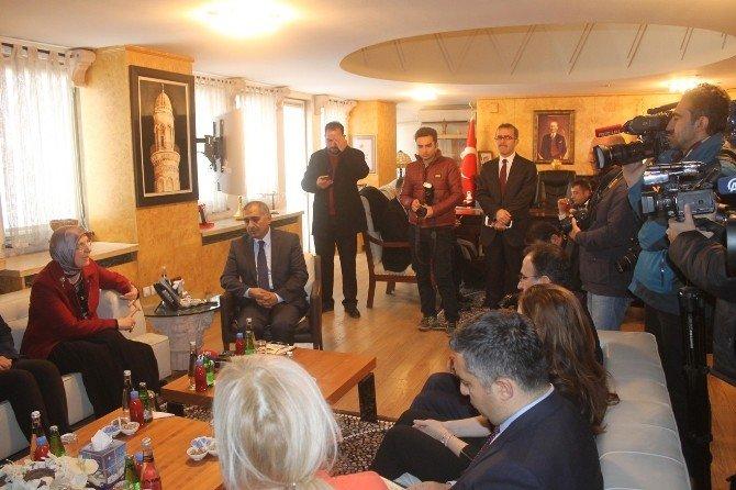 """Bakan Ramazanoğlu: """"Silopi'de 100 Kişilik Bir Ekibimiz Sahada Çalışıyor"""""""