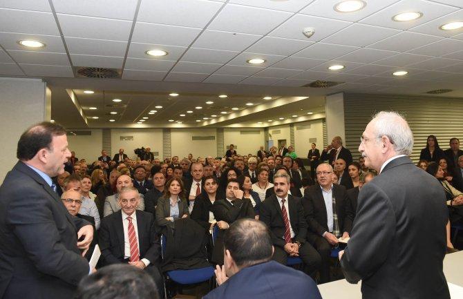 Kılıçdaroğlu, Essen'de STK'larla bir araya geldi