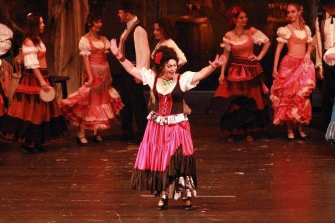 'Carmen' Operasının Prömiyeri Kapalı Gişe Oynadı