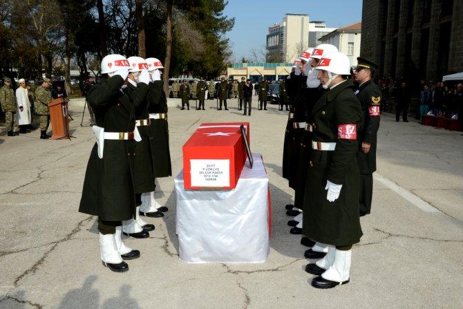Sur'da şehit olan uzman çavuş Paker için tören