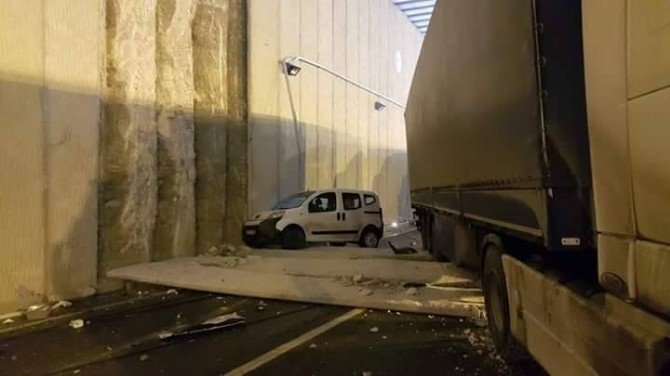Erzincan Da Zincirleme Kaza: 1 Yaralı