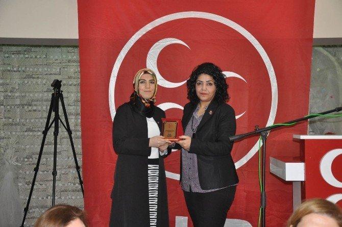 MHP'li Kadınlar İnegöl'e Buluştu