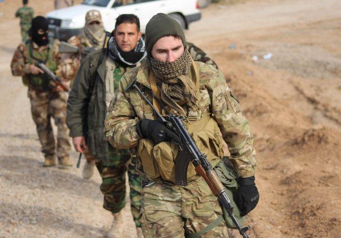 Kerkük'te yabancı gönüllü askerler IŞİD'e karşı Peşmerge'ye destek veriyor