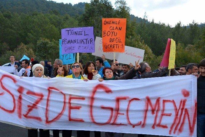 Göcek Tüneli'ndeki Geçiş Ücreti Protesto Edildi