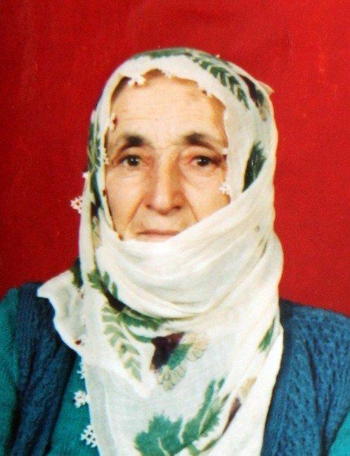 Eşine Bastonla Vurup Cezaevine Giren 95'lik Dede, Cumhurbaşkanı'ndan Af Bekliyor