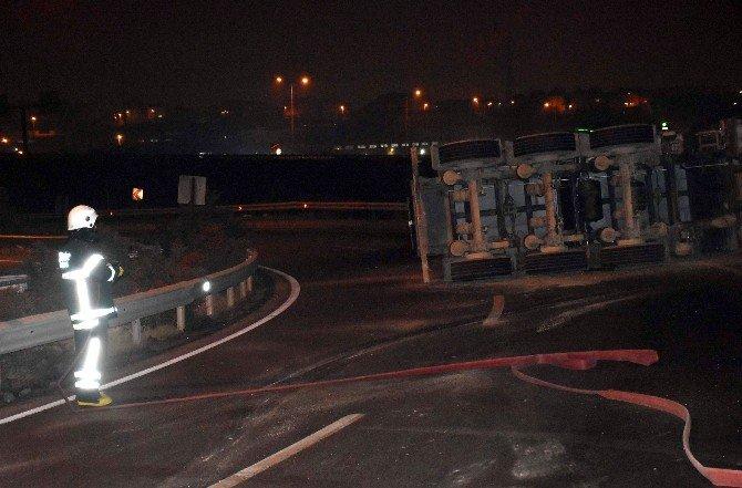 LPG Yüklü Tanker Devrildi, Faciadan Dönüldü