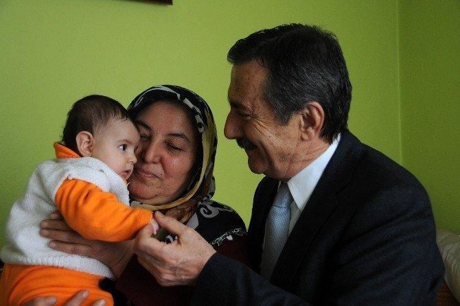 Tepebaşı Belediyesi 245 Bebeği Ziyaret Etti