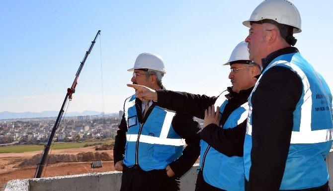 Adana BTÜ Rektör Vekili Gül, Yerleşke Şantiyesinde İncelemelerde Bulundu
