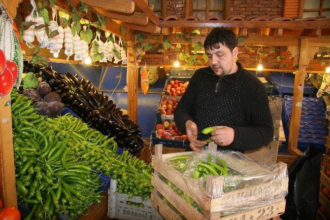 Afyonkarahisar'da Yaş Sebze Ve Meyve Fiyatları