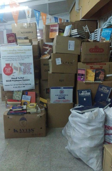 Şırnak'ta PKK'nın Yaktığı Kütüphane İçin Kampanya