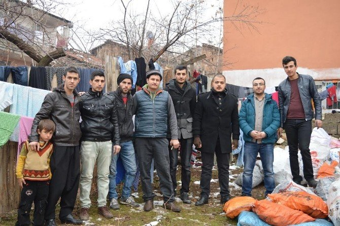AK Parti Yeşilyurt İlçe Gençlik Kolları'ndan, Suriyeli Ailelere Yardım