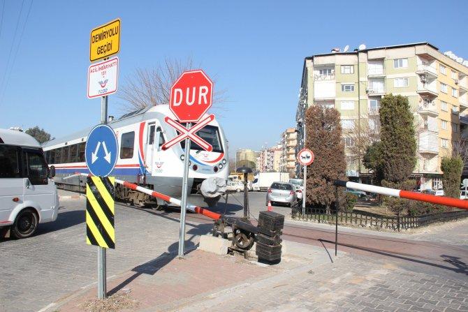 Aydın'da hemzemin geçitler Büyükşehir Belediyesi'ne devrediliyor