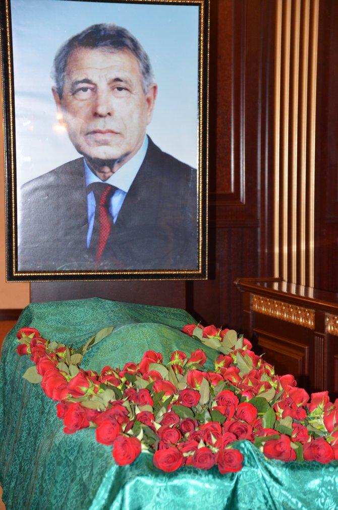 Merhum lider Haydar Aliyev'in kardeşi Celal Aliyev hayatını kaybetti
