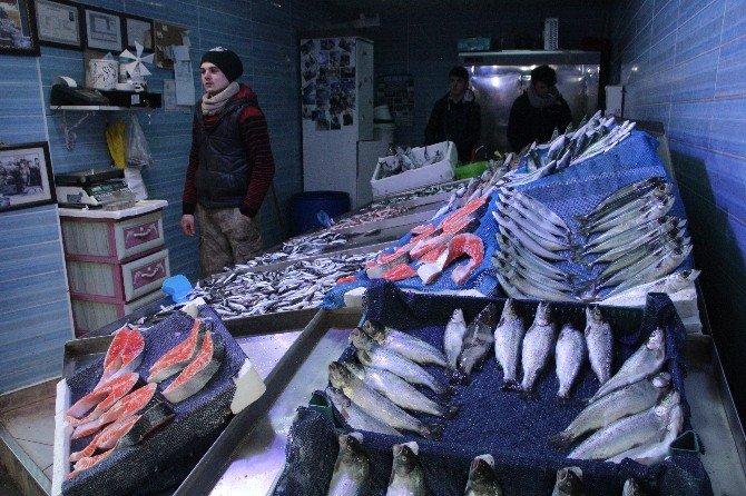 Talep Çok Olunca Balığın Azlığı Fiyatlara Yansıdı