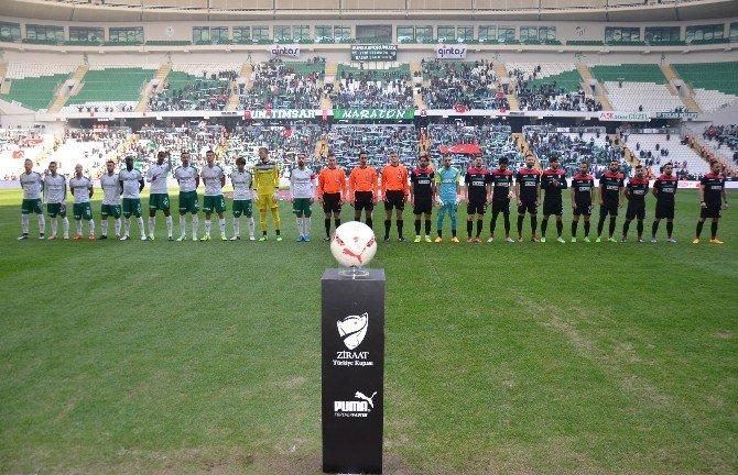 Bursaspor'un Yeni Stadyumunda Zemin Şoku