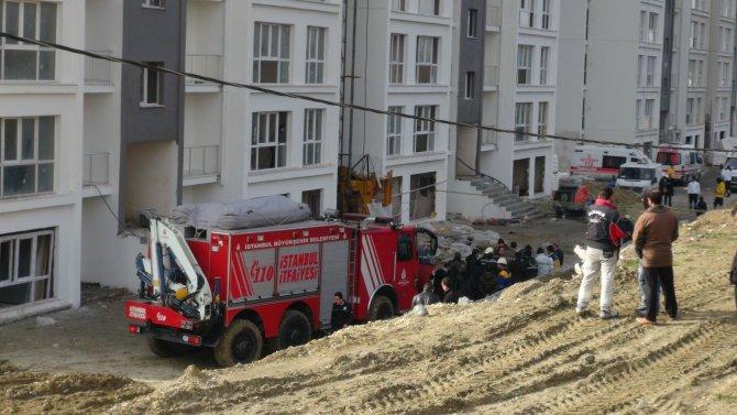 Yük asansörü düştü: 3 ölü