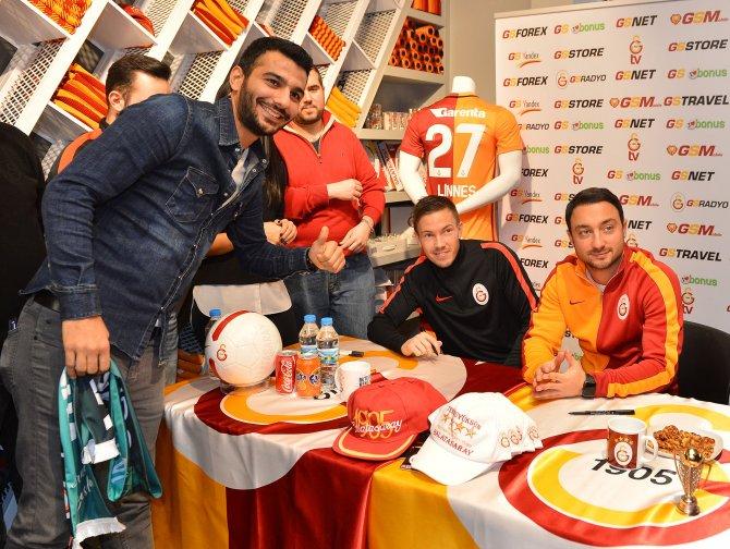 Martin Linnes Beyoğlu GSStore'da taraftarlarla bir araya geldi