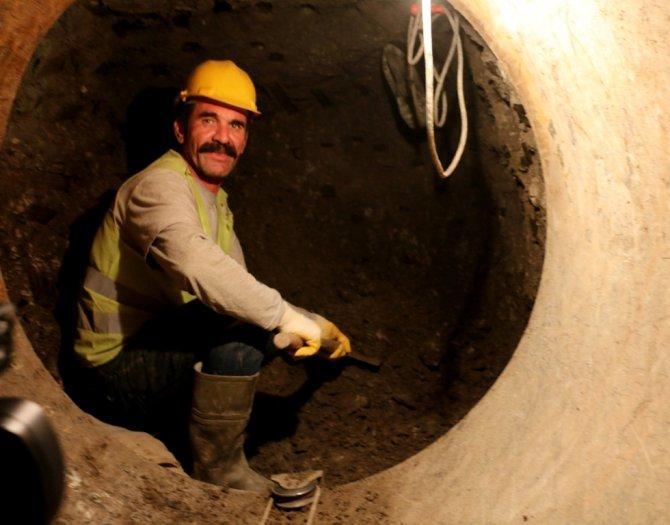 Yerin 4 metre altında Hatay'a su vermek için çalışıyorlar