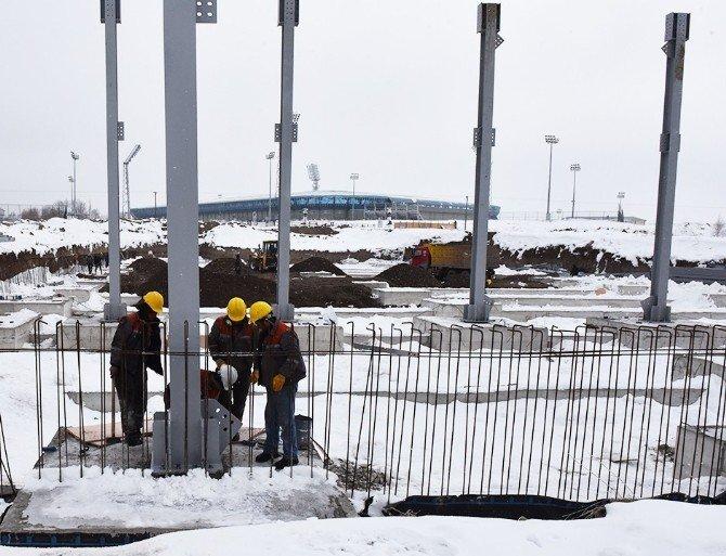 Fuar Merkezi İnşaatı Kışa Rağmen Devam Ediyor