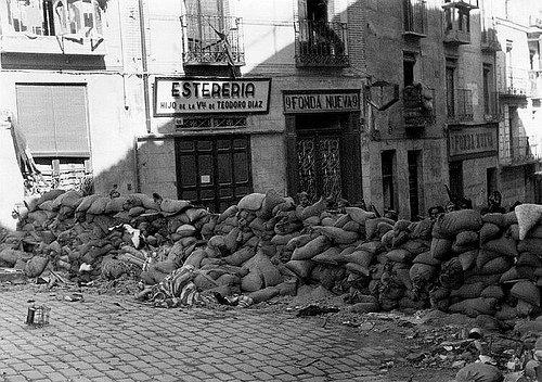 Davutoğlu'nun örnek verdiği Toledo şehri de Sur'a benzer süreci yaşamış