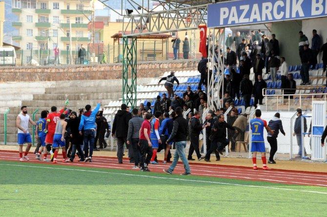Amatör Küme maçında kavga çıktı, polis havaya ateş açtı