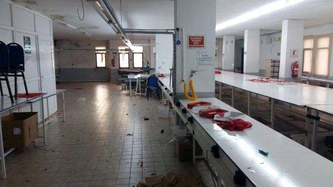 Fabrikaya Gelen İşçiler, Boş Bina Karşısında Şaşkına Döndü