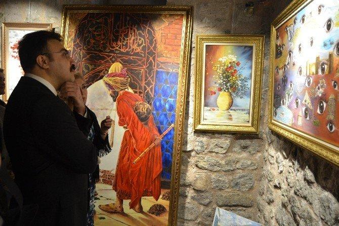 Ressam Şapcı'dan 'Fırçanın Duvarlara Dokunuşu' İsimli Yağlı Boya Sergisi