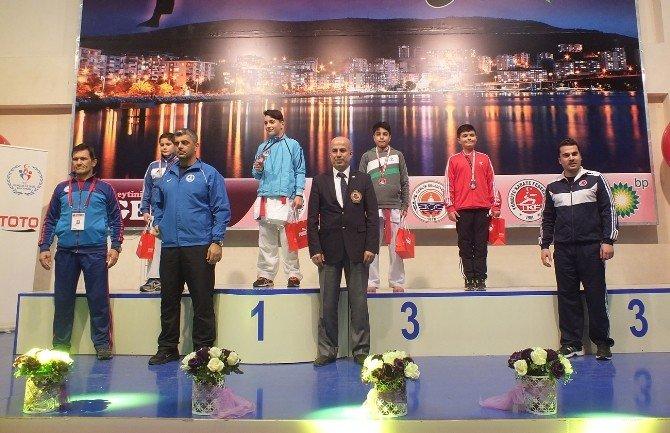 Kağıtsporlu Karateciler, Üç Türkiye Derecesi Kazandı
