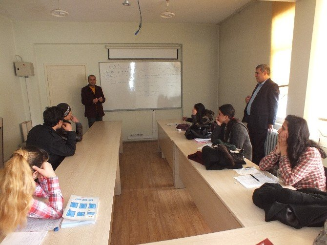 Malazgirtli Öğrenciler Üniversite Sınavlarına Hazırlanıyor