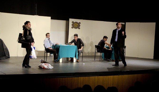 """Kadına Şiddete Tiyatro Sahnesinden """"Dur"""" Dediler"""