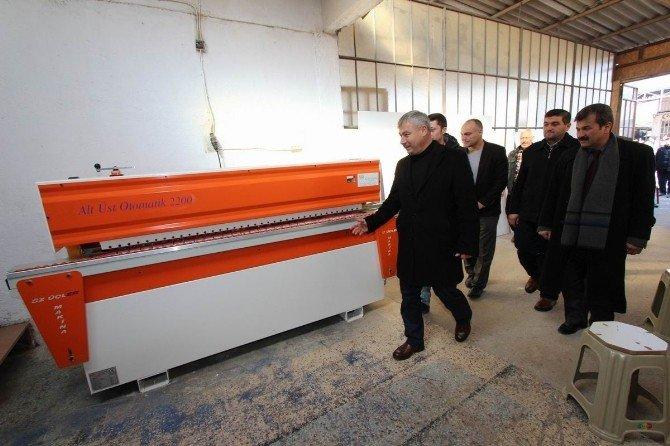 Saruhanlı'da KOSGEB Desteğiyle Marangoz Atölyesi Açıldı