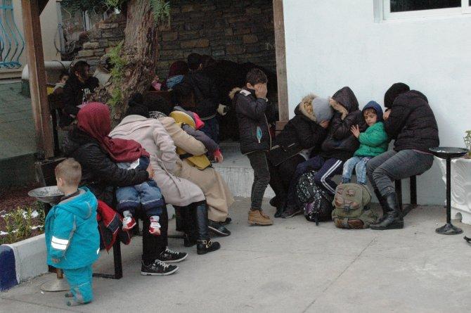 25 kişilik tekneden 100 kaçak göçmen çıktı