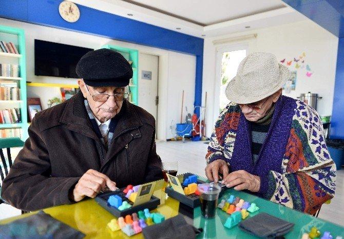 Alzheimer'e Karşı Zeka Oyunları Kursu