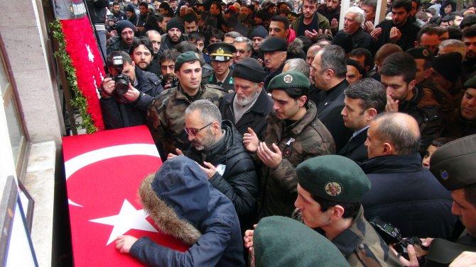 Şehit polisi binlerce Sivaslı uğurladı