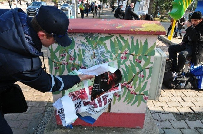 Süleymanpaşa Belediyesi Ekipleri Afiş Ve Brandaları Topladı