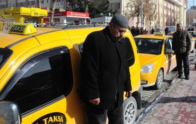 Vanlı Taksicilerden Trafik Sigortasındaki Artışa Tepki