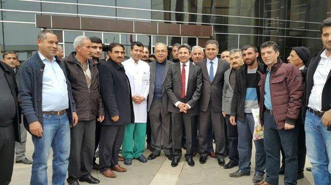Milletvekillerinden Hastaneye Ziyaret