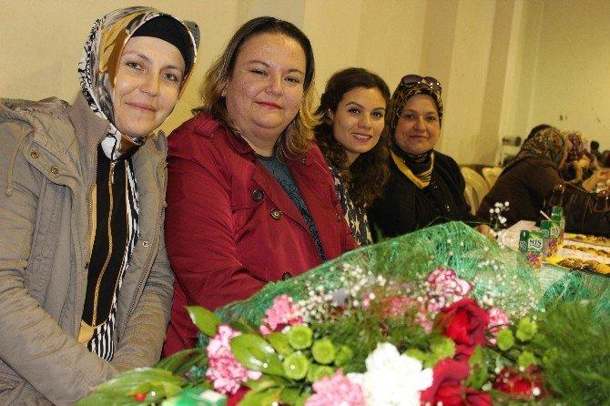 Umurbeyli Kadınlar Doyasıya Eğlendiler