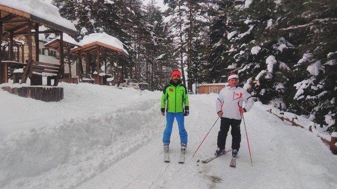 Başkan Kocatepe'nin Kayak Merakı