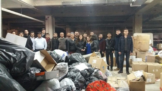 Aydınlı Gençler Tatillerini Türkmenlere Adadı