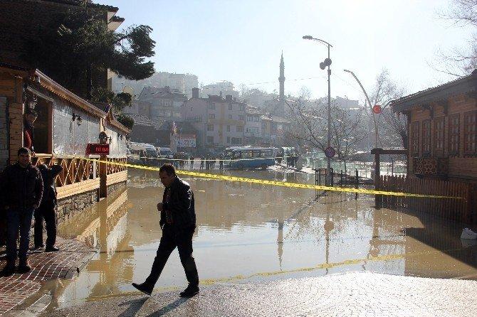 Bartın'da Yağmur Taşkına Neden Oldu