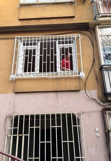 Beyoğlu'nda Yangın Mağduru Ailelerin Yaraları Sarılıyor