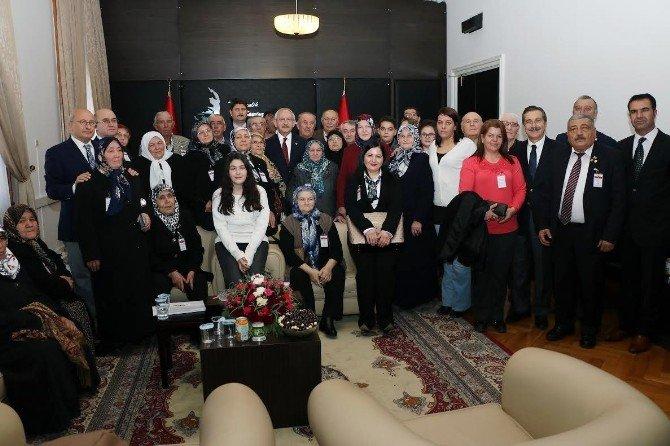 Kılıçdaroğlu, Şehit Aileleri İle Gazileri Kabul Etti
